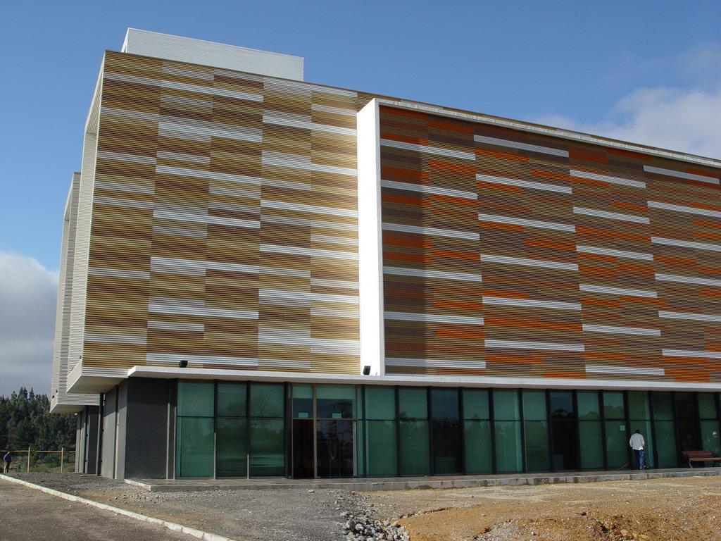 Paneles screen basa arquitectura y dise o - Recubrimientos para fachadas ...